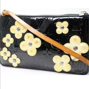 LOUIS VUITTON VERNIS BLACK FLOWER LEXINGTON POUCH